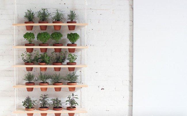 Полки для цветов на стену сделанные своими руками фото