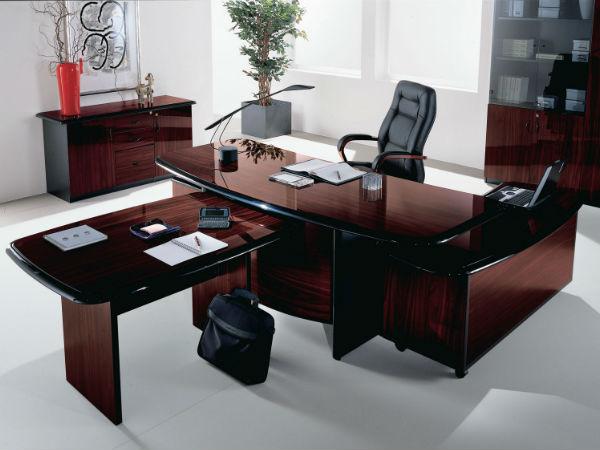офисная мебель - кресло руководителя. Фото