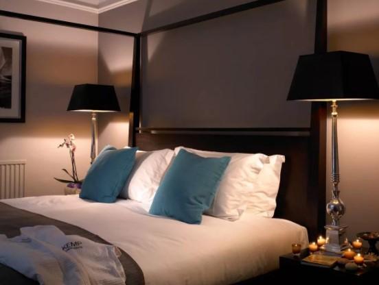настольные лампы с черным абажуром для спальни