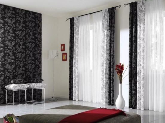 черные шторы в спальне фото