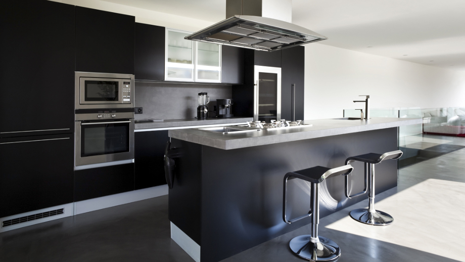 кухня черная фото