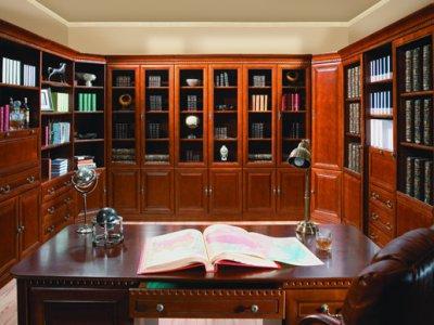 Мебель цвета черешни.