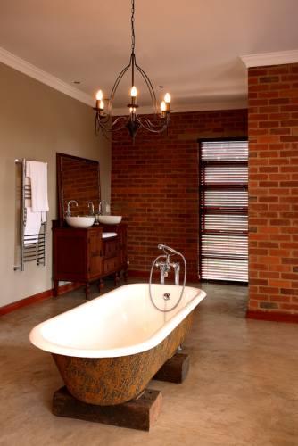 Чугун, сталь или акрил – какую ванну выбрать?