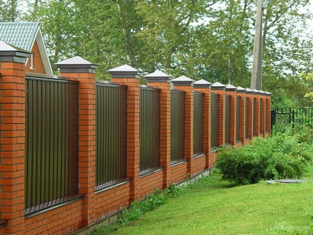 Сколько стоит металлический забор?