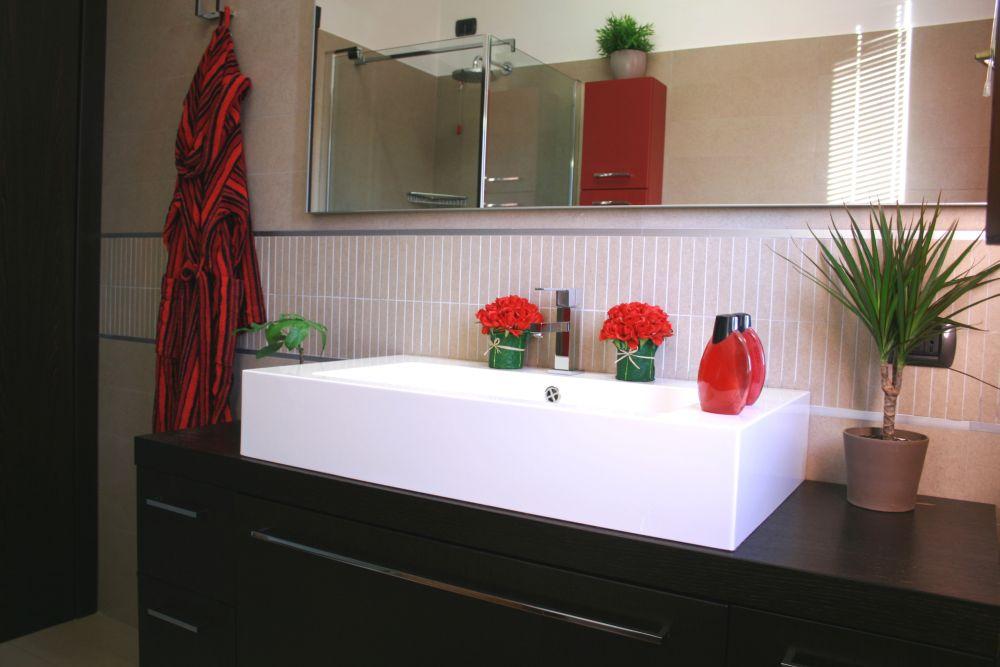 Какие цветы в горшках выбрать для ванной комнаты?