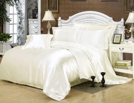Атласное постельное белье для лета