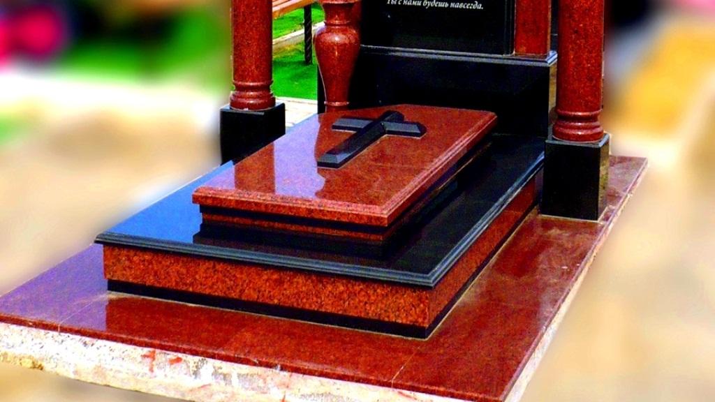 Переваги надгробних пам'ятників з граніту