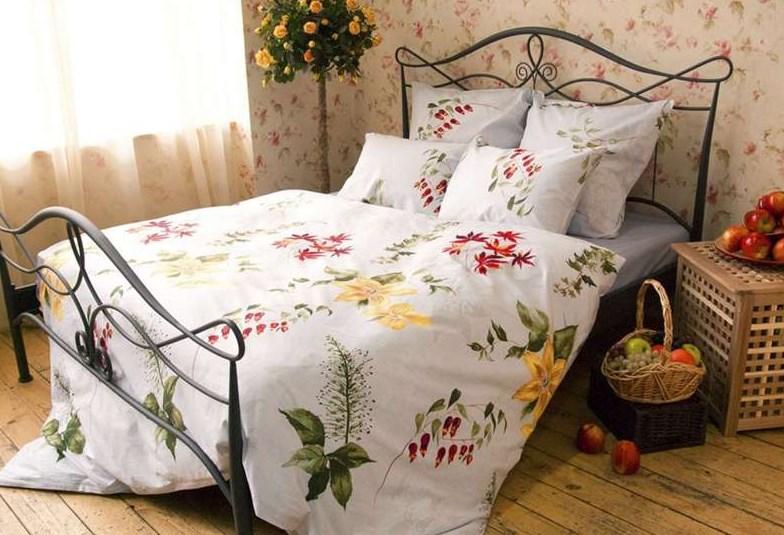 Мягкая, деревянная или металлическая - какую кровать выбрать