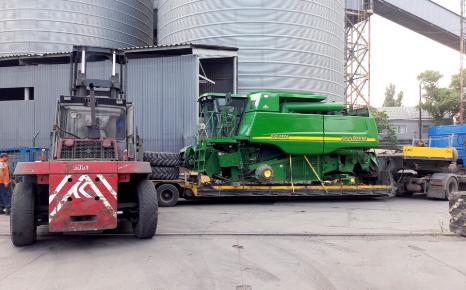 Доставка сельскохозяйственной техники из США и Канады