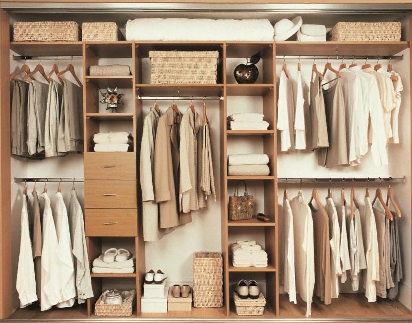 Пример эргономичного размещения полок в шкафу