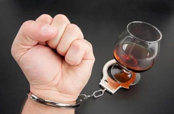 Алкоголизм - основные проявления болезни