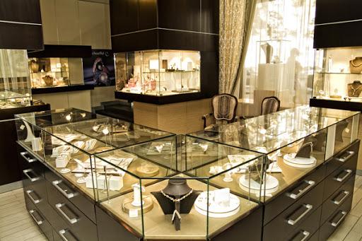 Освещение ювелирного магазина фото