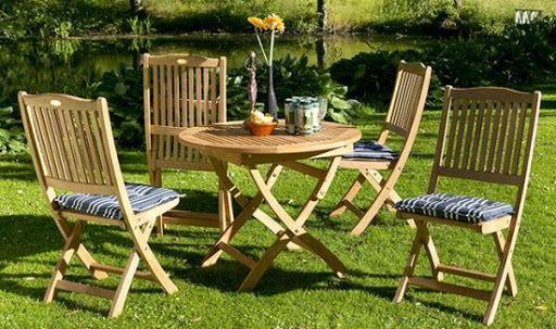 садовая мебель деревяная с изогнутыми ножками