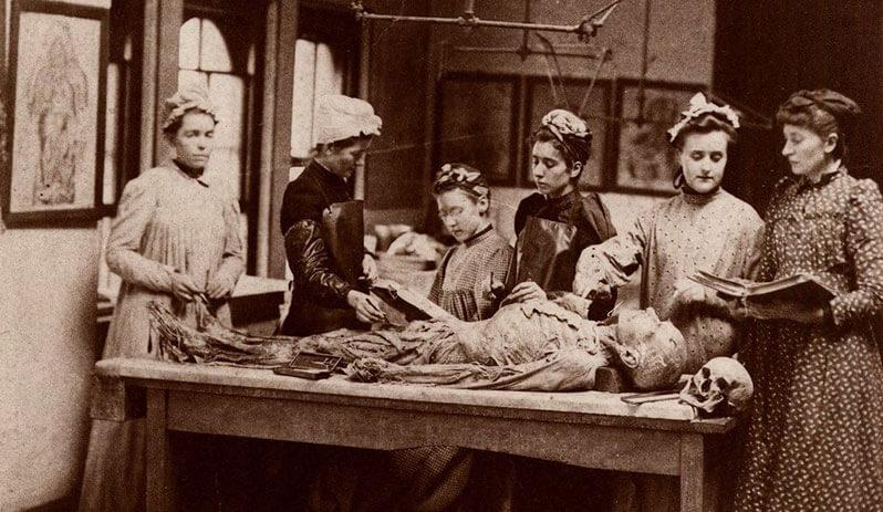 Первые медицинские колледжи для женщин