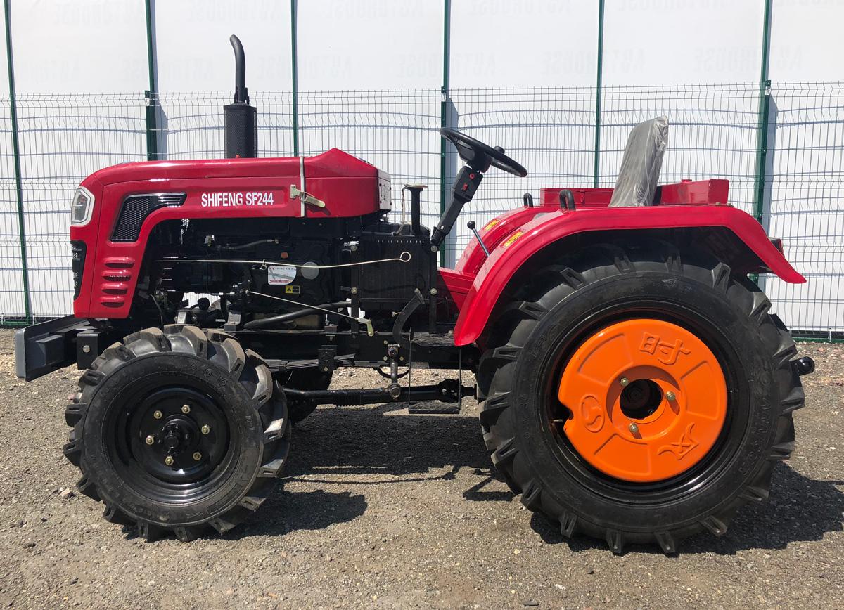 Мини-трактор: особенности и сферы использования