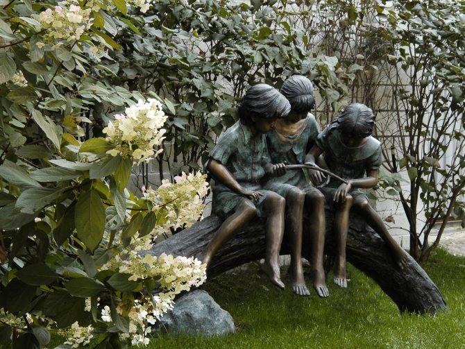 садовые фигури из мрамора