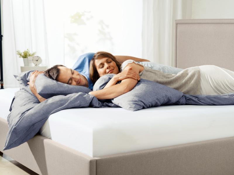 Выбор кровати для спальни для сна
