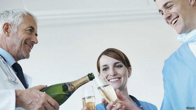 В каких случаях алкоголь полезен?