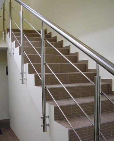 Выбираем перила для лестницы из нержавейки